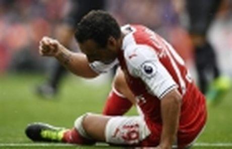 Diem tin sang 02/12: Xong tuong lai Carrick; Sao Arsenal nghi dai han - Anh 4