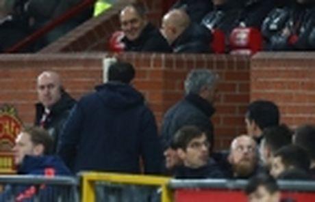 Mourinho – Man United: Ngoai tien ra thi con gi nua? - Anh 4