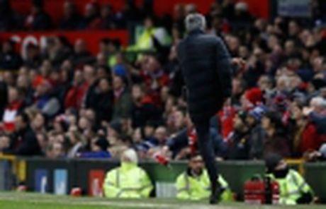 Mourinho – Man United: Ngoai tien ra thi con gi nua? - Anh 5