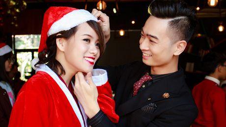 Album sao mung Giang sinh cua nghe si Viet tieu thu 1000 ban tai Duc - Anh 3