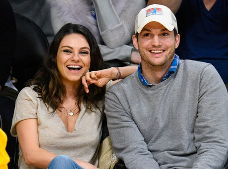 Ashton Kutcher tiep tuc len chuc bo - Anh 1