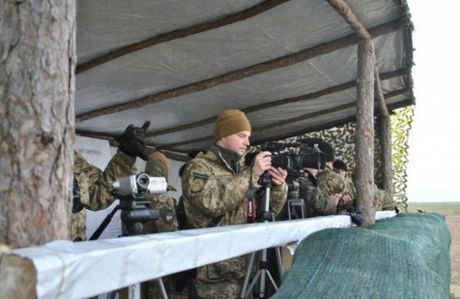 Ukraine phong thanh cong 16 ten lua trong ngay tap tran dau tien - Anh 7