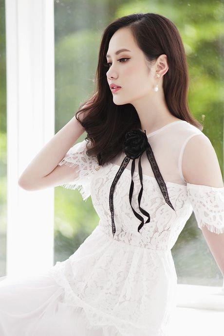 Hoa hau Dieu Linh me hoac fan ham mo voi set do ren goi cam - Anh 8