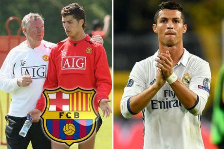 Tin nong Sieu kinh dien Barca – Real: Ronaldo suyt la nguoi Barca - Anh 1