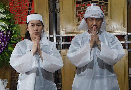 Nghe si Quang Ly qua doi: Con gai, con trai nuc no ben canh linh cuu cha - Anh 12