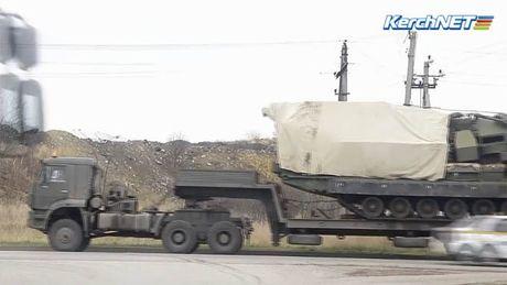 Nga dua la chan ten lua S-300V4 toi Crimea doi pho Ukraine - Anh 1