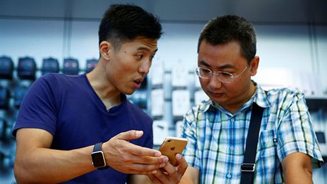Loi sut pin iPhone nghiem trong hon nhung gi Apple thua nhan - Anh 1