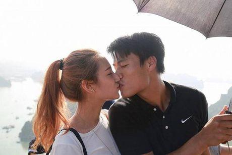 Ky Han cu xu khon kheo khi Mac Hong Quan lo anh om hon tinh cu - Anh 1