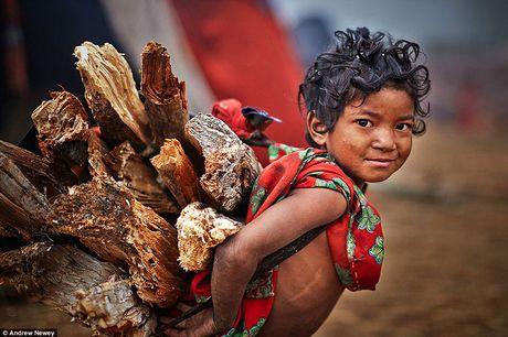 Kham pha cuoc song cua nhung nguoi du muc o Nepal qua anh - Anh 4