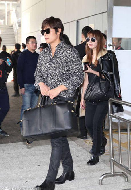 Lee Min Jung xuat hien cung chong tai Hong Kong - Anh 1