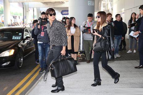 Lee Min Jung xuat hien cung chong tai Hong Kong - Anh 5