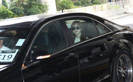 Lee Min Jung xuat hien cung chong tai Hong Kong - Anh 9
