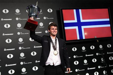 Magnus Carlsen 3 lan lien tiep vo dich co vua the gioi - Anh 1