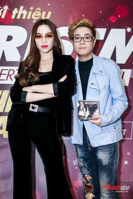 Ha Ho long lay, Huong Tram 'e ap' trong hop bao liveshow Bui Anh Tuan - Anh 3