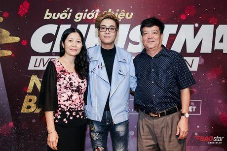 Ha Ho long lay, Huong Tram 'e ap' trong hop bao liveshow Bui Anh Tuan - Anh 8