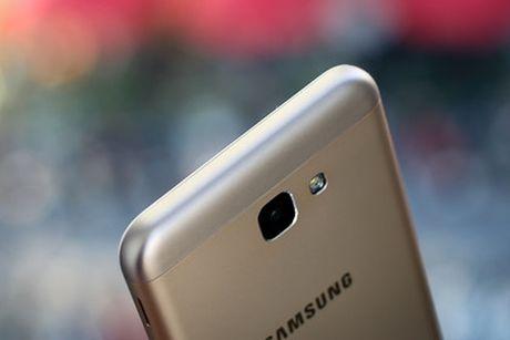 Galaxy J5 Prime - smartphone re nhat cua Samsung co khoa van tay - Anh 2