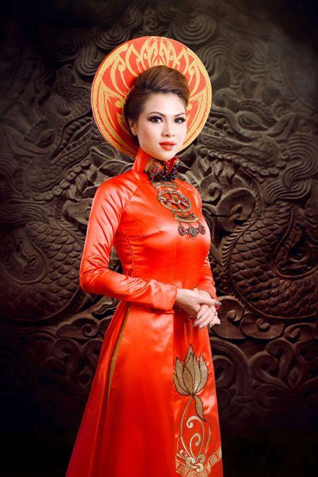 Pham Thien Trang dem hinh tuong Thai hau Duong Van Nga tranh tai tai 'Mrs. Globe' 2016 - Anh 2