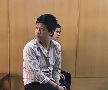 Doc chieu lua hang tram trieu cua thuong uy cong an dom - Anh 1