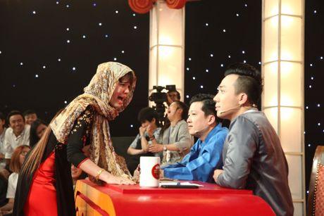 Thi sinh thang 100 trieu: 'Chong cam di dien nhu Le Thi Dan' - Anh 1