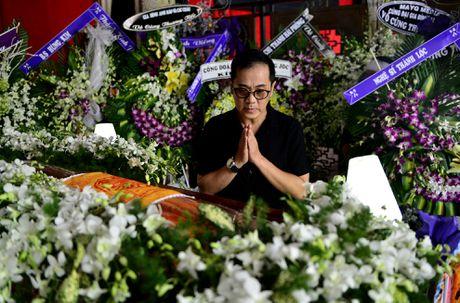 Con gai Quang Ly ve nuoc khoc nuc no ben linh cuu cha - Anh 3