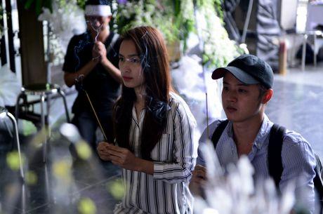 Con gai Quang Ly ve nuoc khoc nuc no ben linh cuu cha - Anh 6