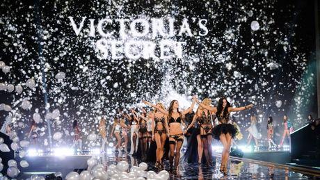 Nhung bi mat dang sau thuong hieu Victoria's Secret dinh dam - Anh 9