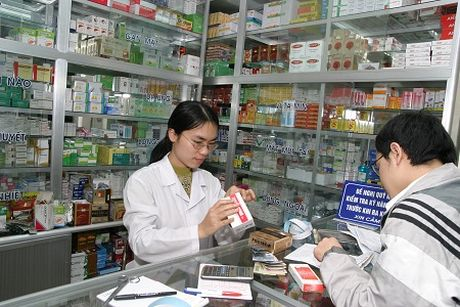 Phong, chong khang thuoc: Khong tu mua, dung khang sinh trong dieu tri va chan nuoi - Anh 1