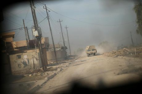 Cuoc chien 'sinh tu' tren duong pho Mosul, Iraq - Anh 10