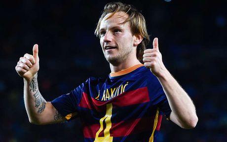 Nhung ban hop dong 'hot tay tren' giua Barca va Real - Anh 14