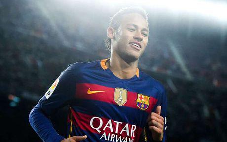 Nhung ban hop dong 'hot tay tren' giua Barca va Real - Anh 15