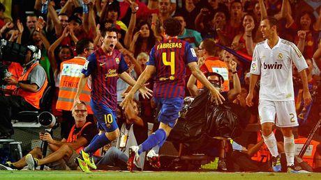 Diem lai nhung 'dau giay' cua Messi trong cac tran Sieu kinh dien - Anh 10