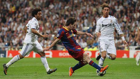 Diem lai nhung 'dau giay' cua Messi trong cac tran Sieu kinh dien - Anh 8