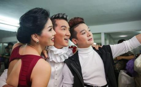 Sau live stream to me no nan, Mr Dam van tuoi cuoi - Anh 1