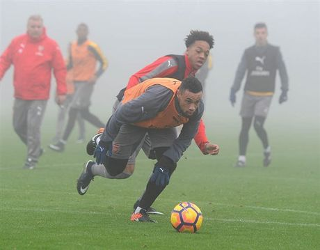 Arsenal ngap chim trong suong mu truoc gio 'chien' Man City - Anh 6