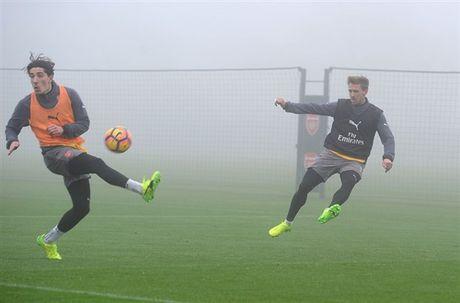 Arsenal ngap chim trong suong mu truoc gio 'chien' Man City - Anh 7