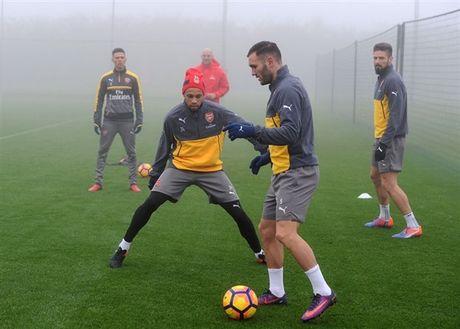 Arsenal ngap chim trong suong mu truoc gio 'chien' Man City - Anh 8