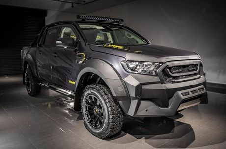 'Xe hop' Ford Ranger do sieu khung cua Valentino Rossi - Anh 1