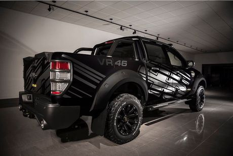 'Xe hop' Ford Ranger do sieu khung cua Valentino Rossi - Anh 3