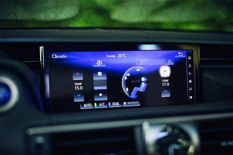 Lexus IS 2017 co gia tu 37.495 USD - Anh 6