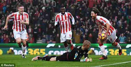 """Stoke City - Leicester City: The do & vung len """"vo tim"""" - Anh 1"""