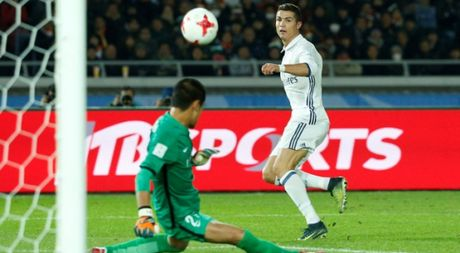 Ronaldo lap hat-trick, Real vo dich FIFA Club World Cup - Anh 1