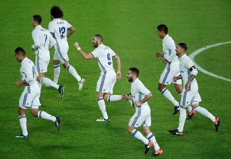 Ronaldo lap hat-trick, Real vo dich FIFA Club World Cup - Anh 2