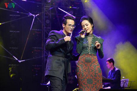 Ha Anh Tuan - Phuong Linh: Cap doi troi sinh de danh cho nhau - Anh 3