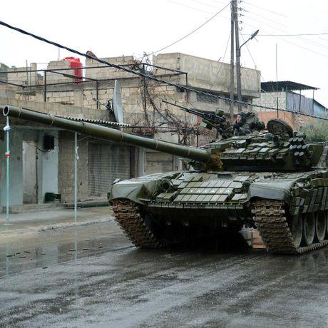 Quan doi Syria diet 170 chien binh IS, chuan bi tai chiem Palmyra (video) - Anh 1