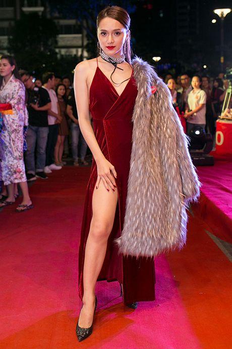 Huong Giang Idol mac ho tren ho duoi di event - Anh 1