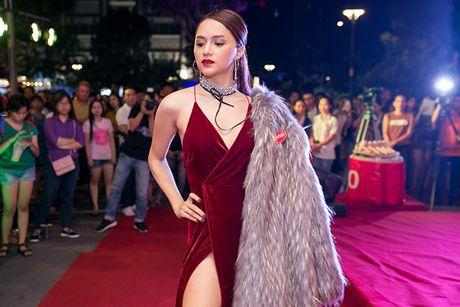 Huong Giang Idol mac ho tren ho duoi di event - Anh 2