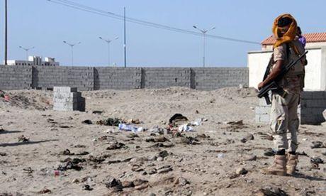 IS danh bom tu sat o Yemen, 49 nguoi thiet mang - Anh 1