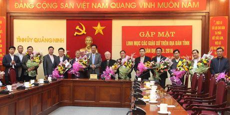 Quang Ninh gap mat cac Linh muc tren dia ban dip Giang sinh - Anh 1