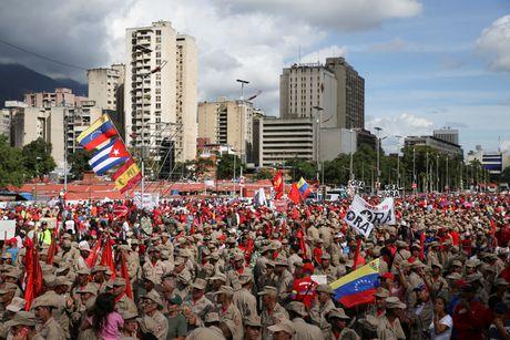 Nguoi Venezuela dot tien de bieu tinh, cuop pha no ra - Anh 10