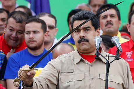 Nguoi Venezuela dot tien de bieu tinh, cuop pha no ra - Anh 11